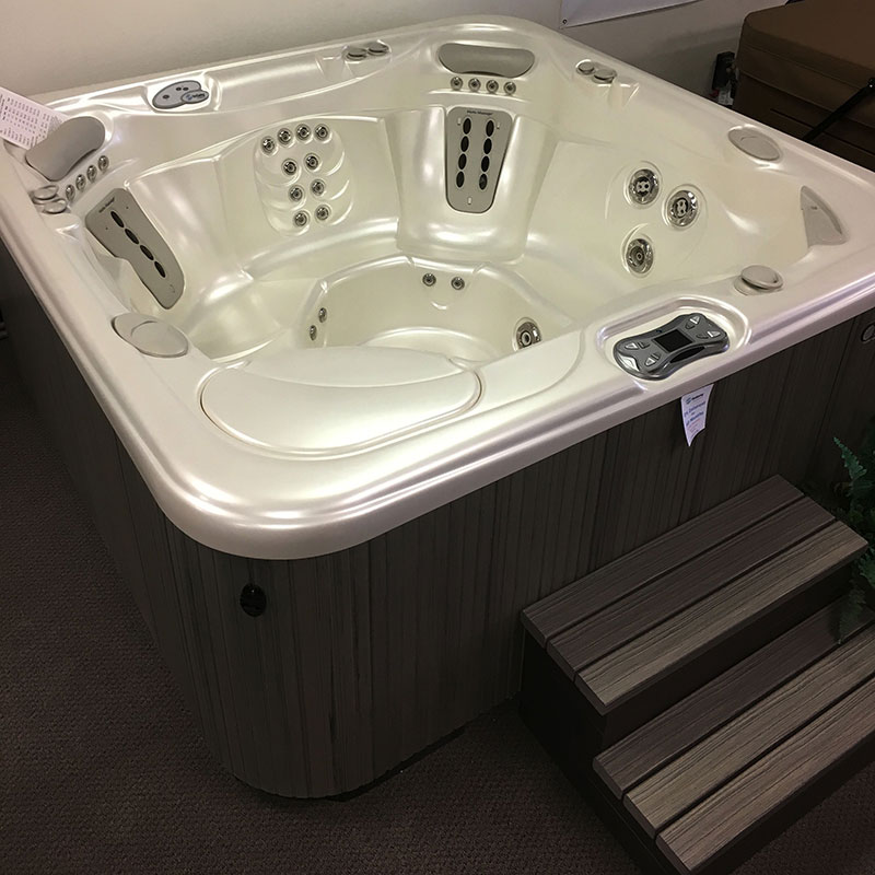 6person hot tub